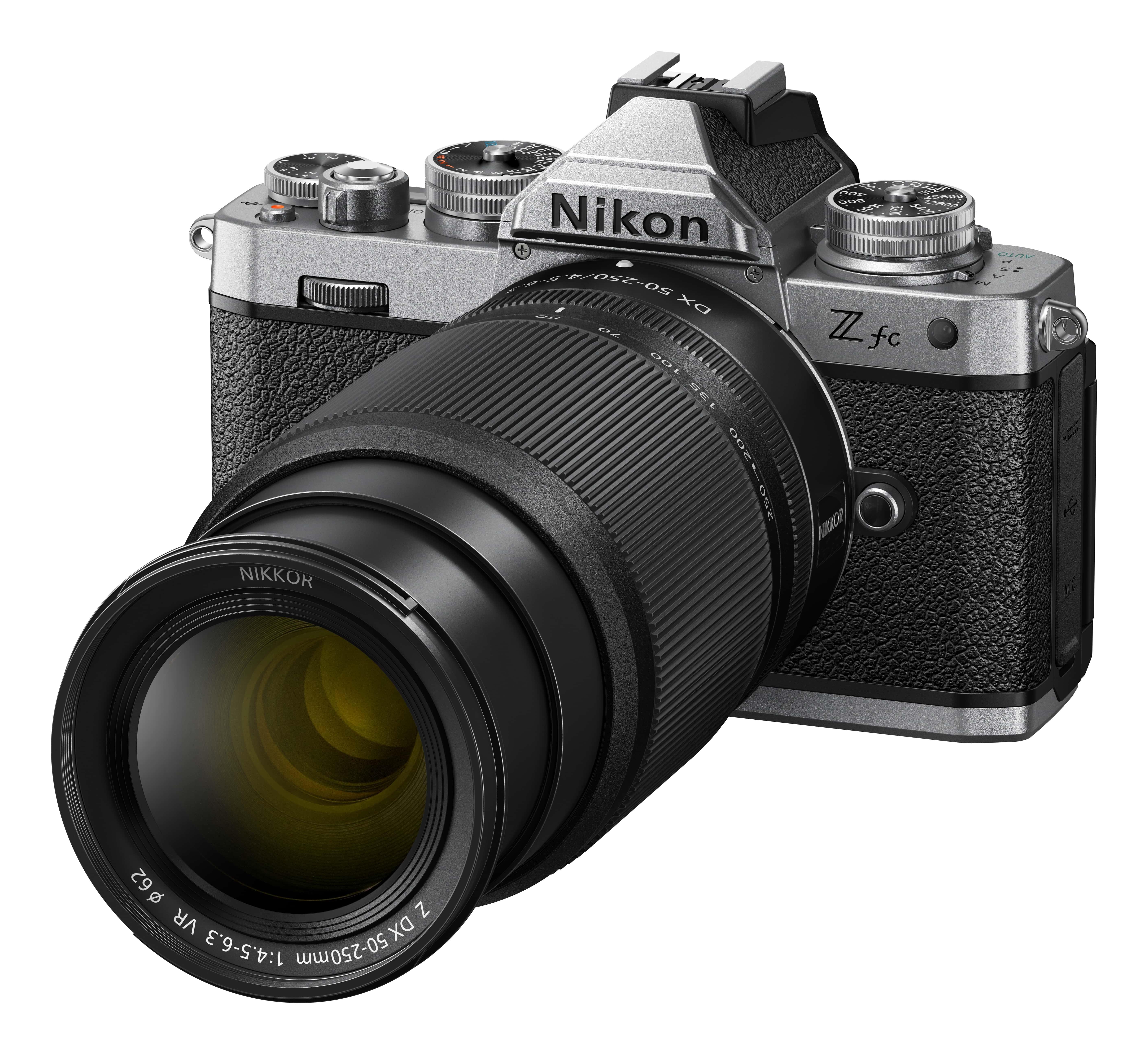 Nikon Z fc + NIKKOR Z DX 16-50mm 1:3,5-6,3 VR silber + Z DX 50-250mm 1:4.5-6.3 VR