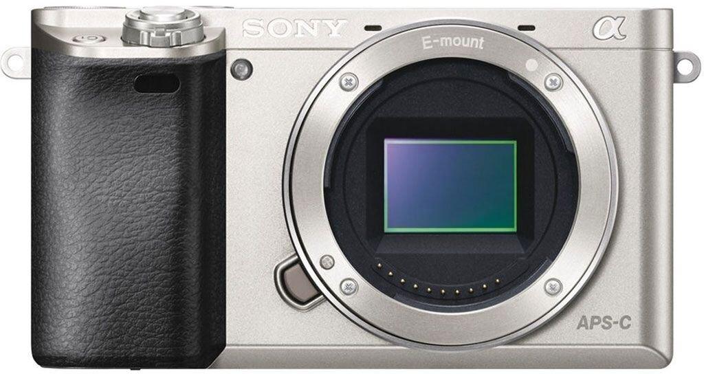 Sony alpha 6000 silber inkl. E PZ 16-50mm 1:3,5-5,6 OSS