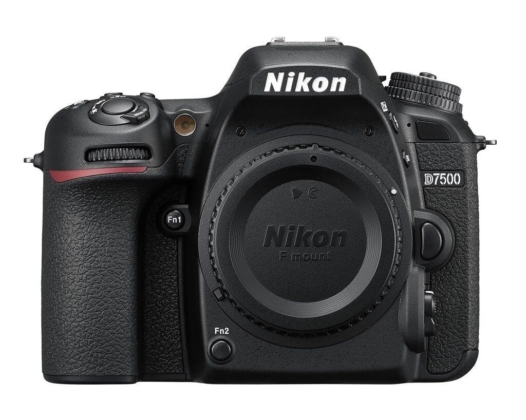 Nikon D7500 inkl. AF-S DX 18-140mm 1:3,5-5,6 G ED VR