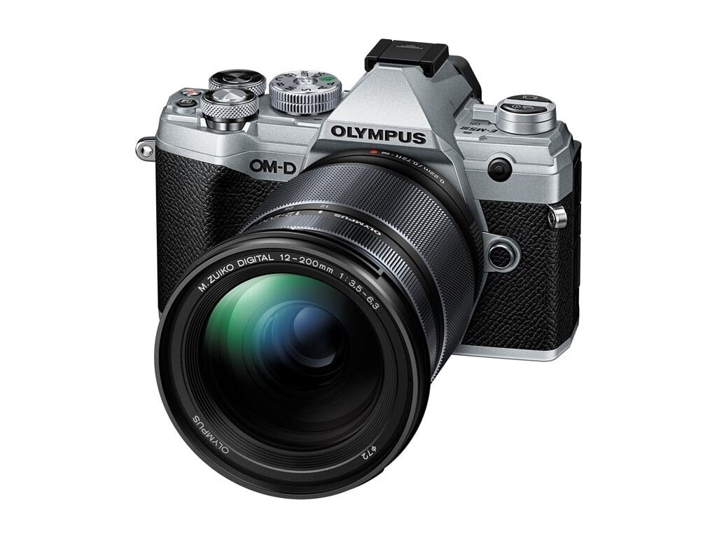Olympus OM-D E-M5 Mark III silber + M.Zuiko Digital ED 12-200mm 1:3,5-6,3