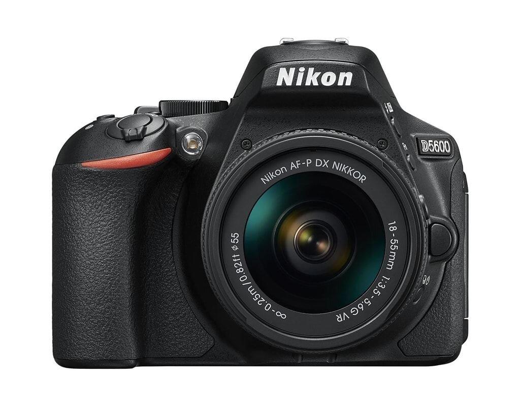 Nikon D5600 + AF-P 18-55mm 1:3,5-5,6 G VR